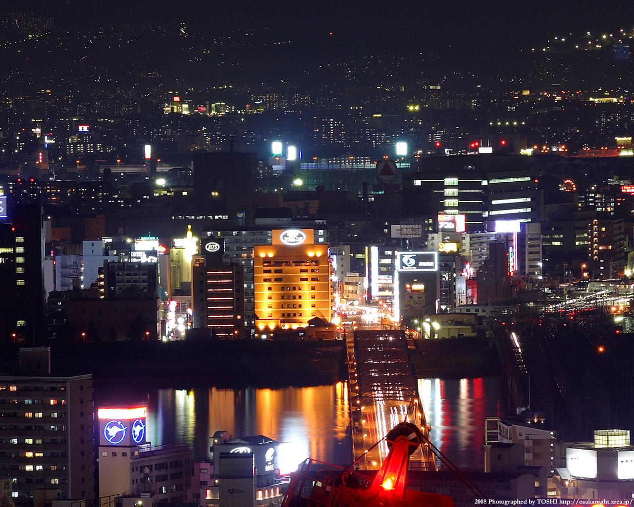 阪急十三駅周辺