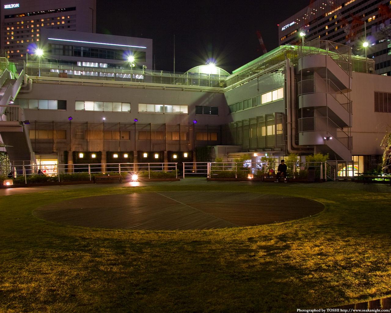 円形広場の夜景1