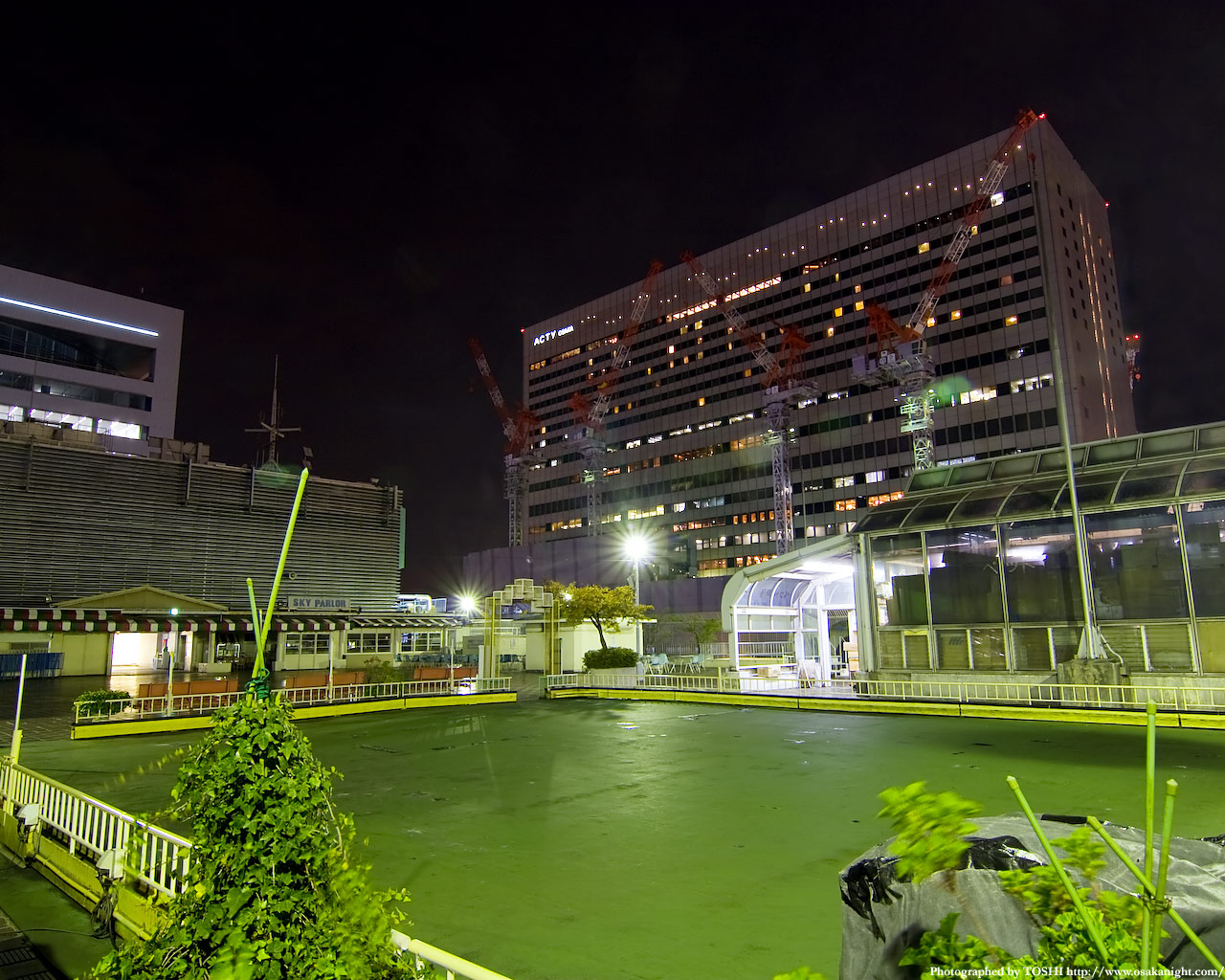 JR大阪駅(アクティ大阪)方面の夜景2