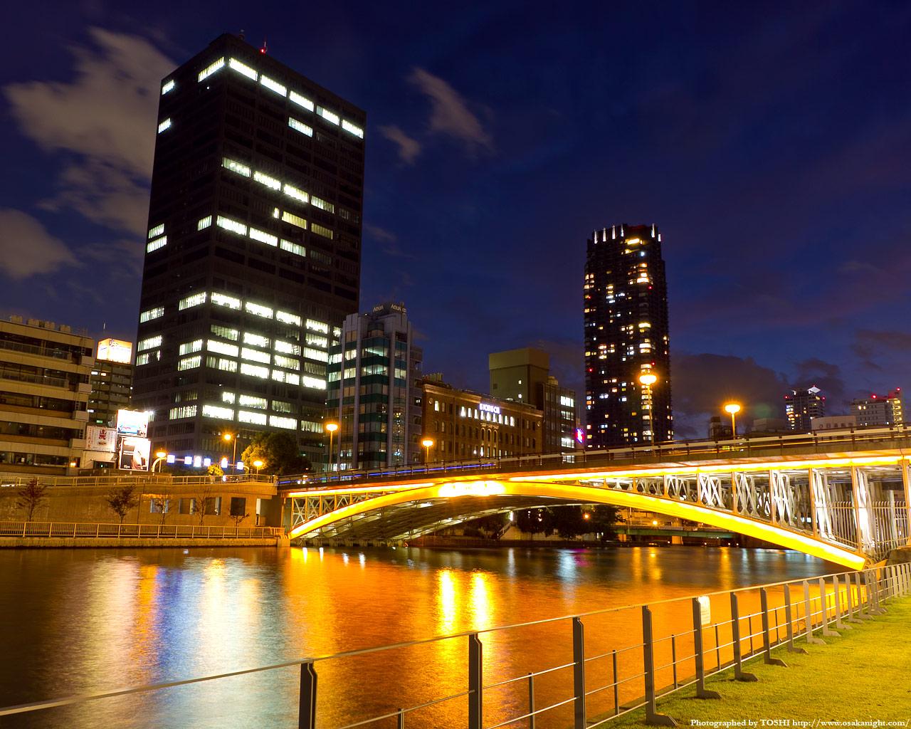 天神橋のライトアップ夜景1