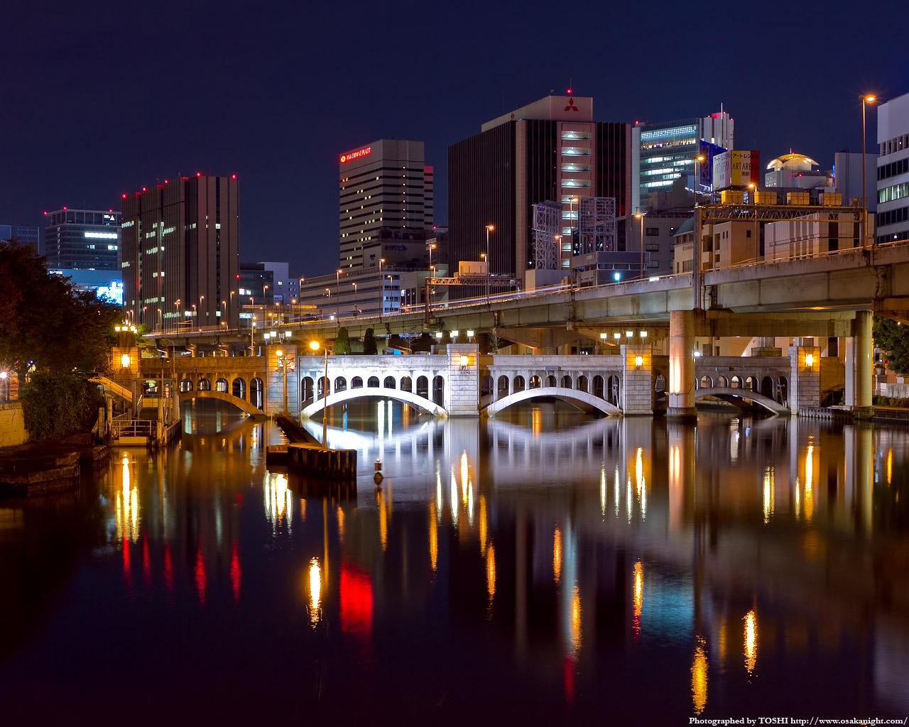 水晶橋のライトアップ夜景1