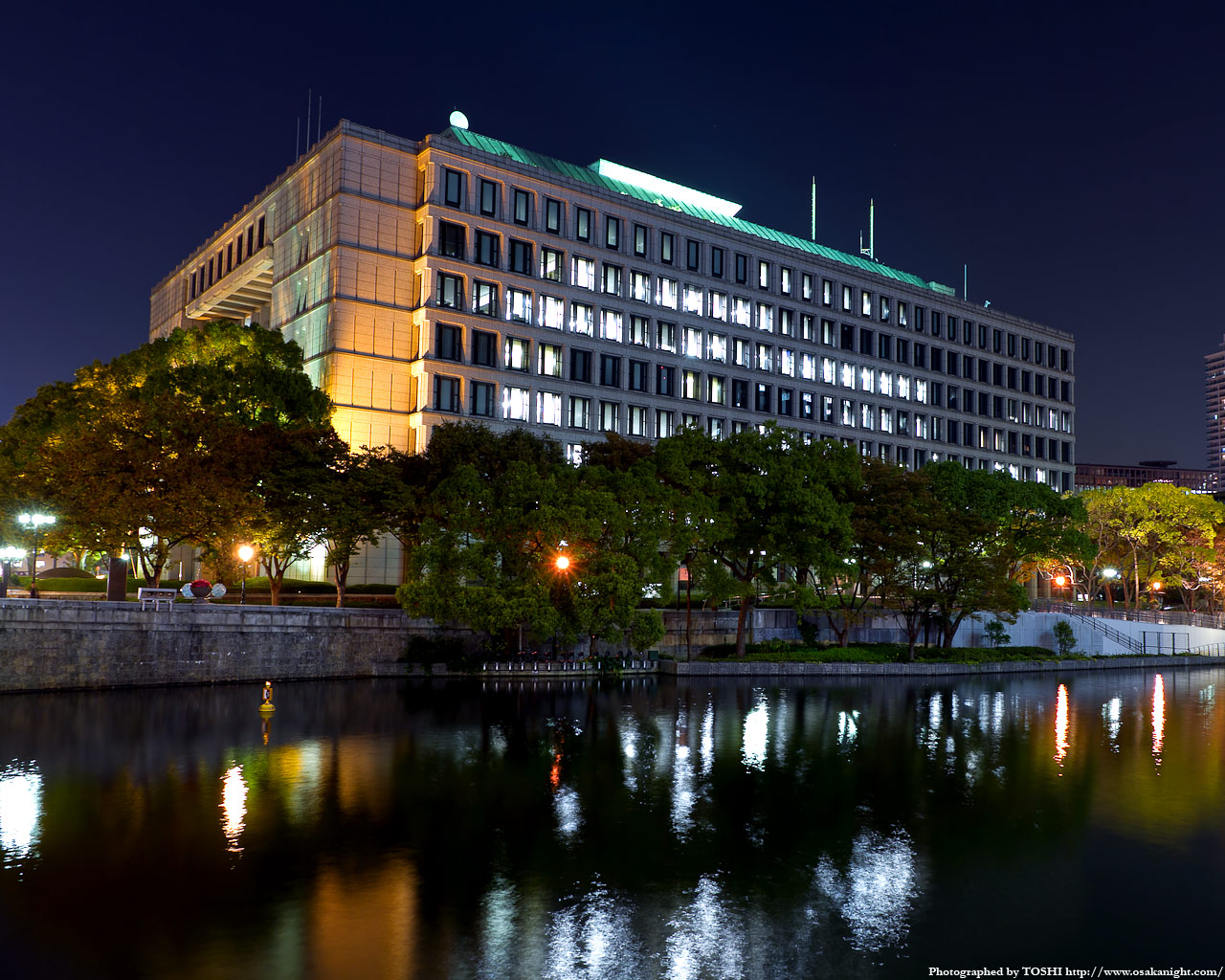 大阪市役所の夜景3