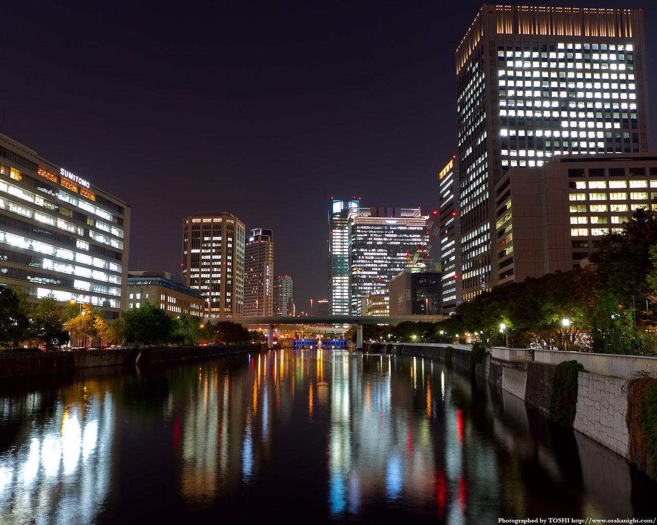 土佐堀川と中之島の高層ビル群夜景1