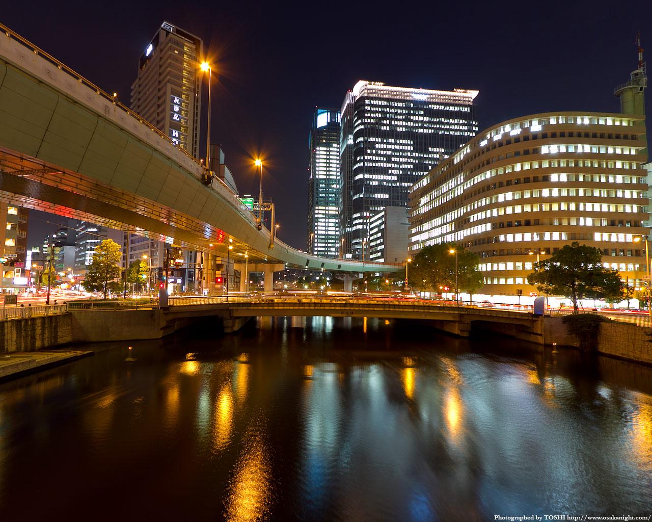肥後橋と中之島3丁目の高層ビル群夜景1