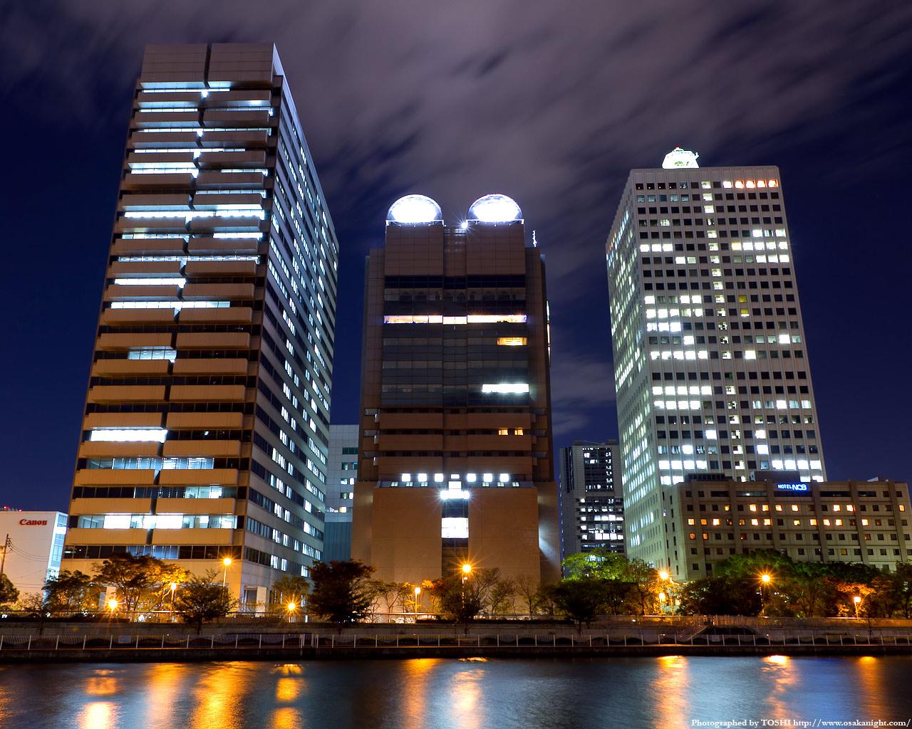 中之島6丁目の高層ビル群夜景2