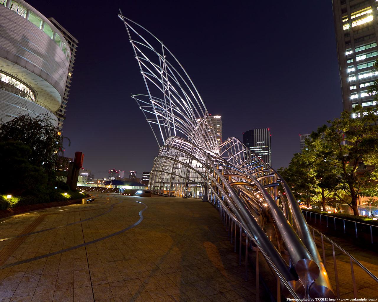 国立国際美術館ライトアップ夜景1