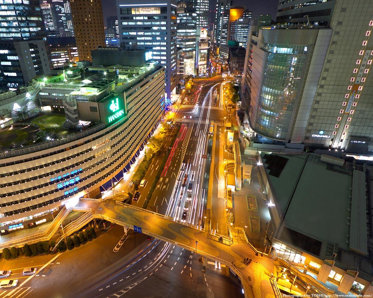 大阪駅前歩道橋の俯瞰夜景