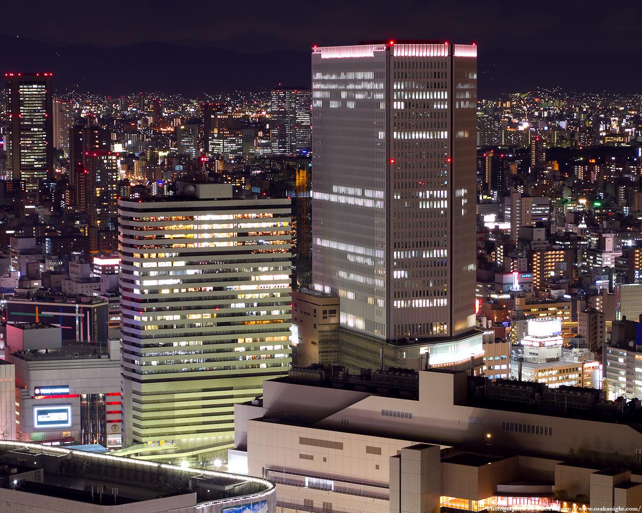 阪急グランドビルと梅田阪急ビルの夜景
