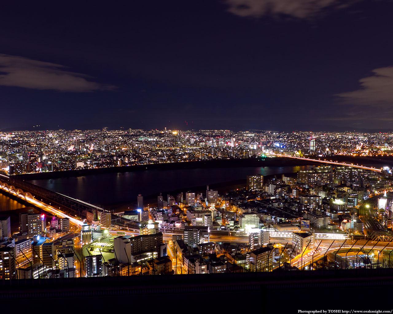 北方向十三〜新大阪方面の夜景