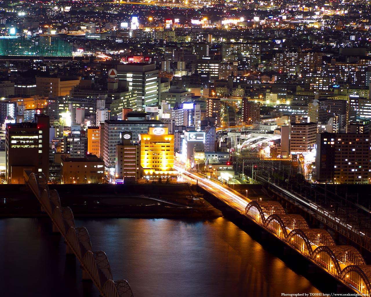 阪急十三駅周辺の夜景