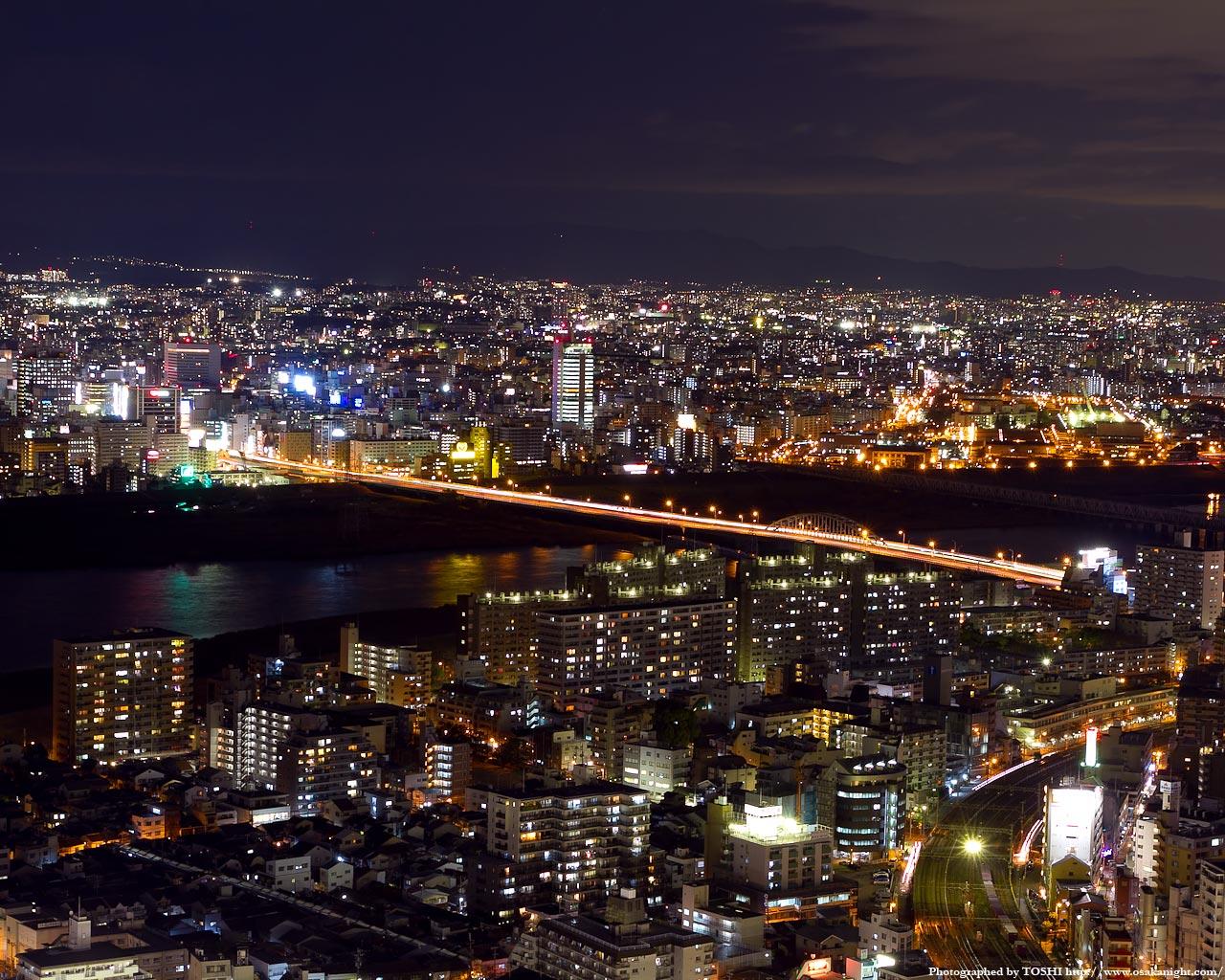 新淀川大橋と西中島南方周辺の夜景1