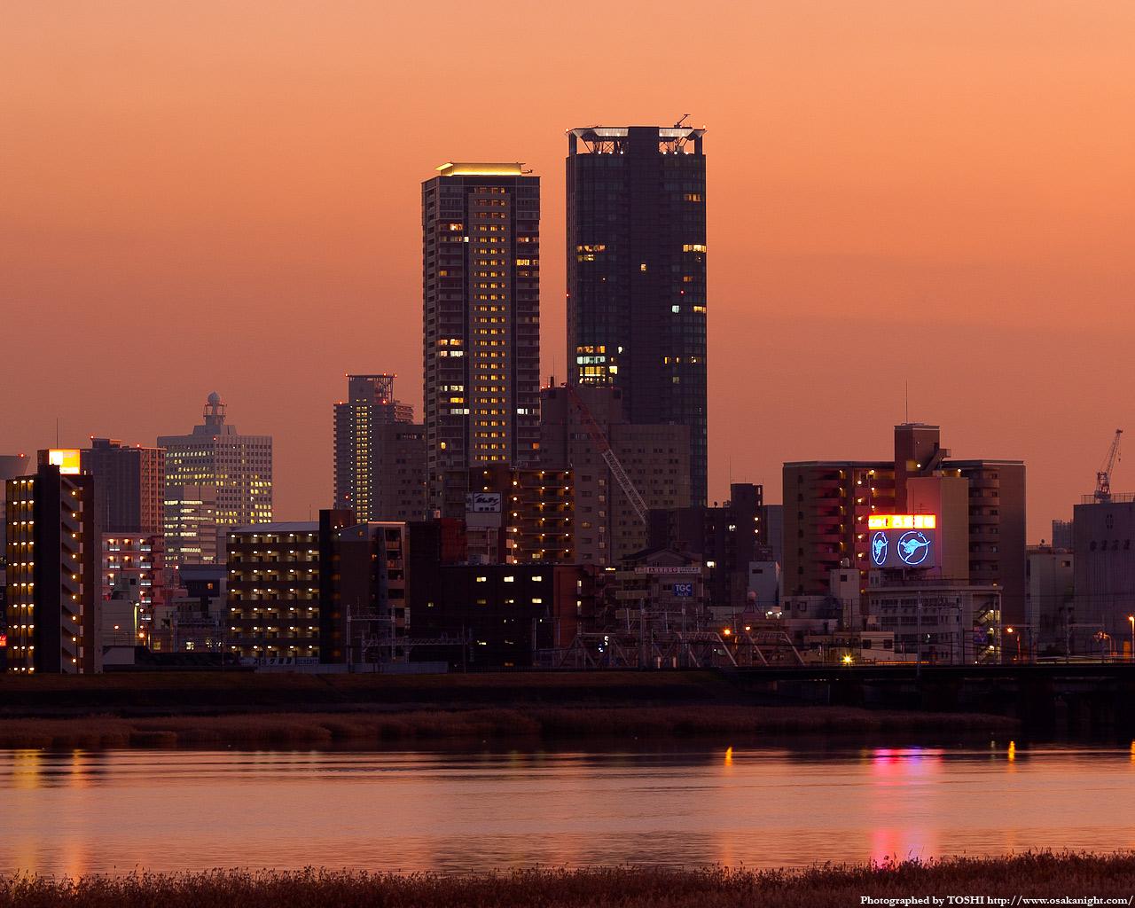 十三東付近より福島方面の夕景
